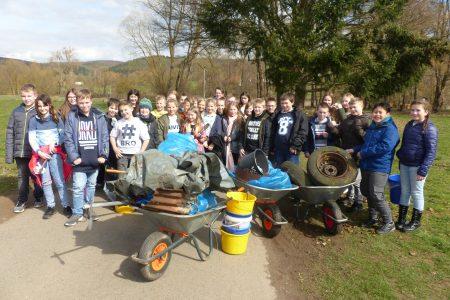Schülerschaft setzt Zeichen für den Umweltschutz