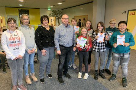 61. Vorlesewettbewerb 2019/20: Sonora Neuhaus ist Gewinnerin des Schulentscheids